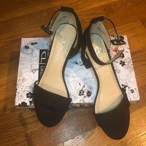 NIB : CL by Laundry - Jody Sandal Size 7 Black